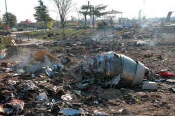 Iran, Nyt: Boeing ucraino abbattuto da due missili