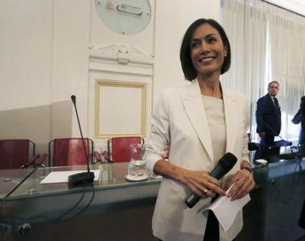 Carfagna: Referendum è un salva-poltrone