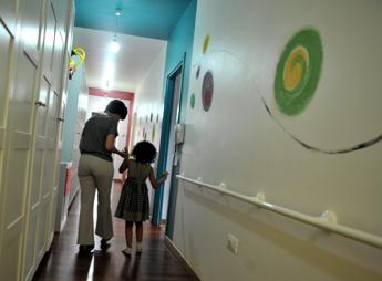 Coronavirus, Telefono Azzurro: ecco come parlarne ai bambini