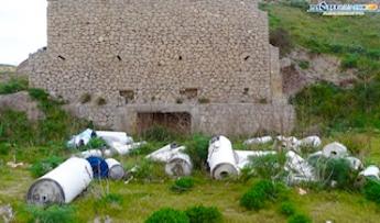Mareamico: Rifiuti ingombranti abbandonati nel sito archeologico di Agrigento