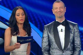 Sanremo, Rula ad Amadeus: Cerchiamo di non fare gaffe