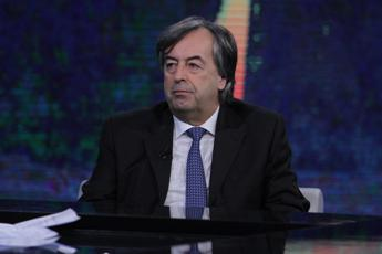 Burioni: Se c'è tregua d'estate, virus torna in inverno