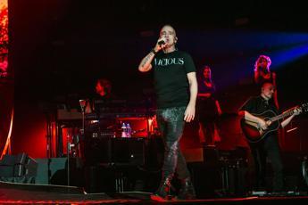 Eros Ramazzotti cancella concerto Los Angeles