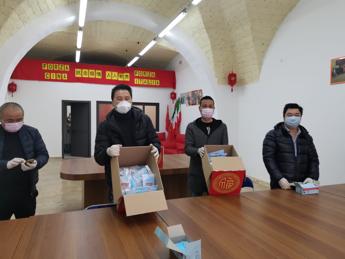 Coronavirus, Comunità cinese Palermo distribuisce cinquemila mascherine