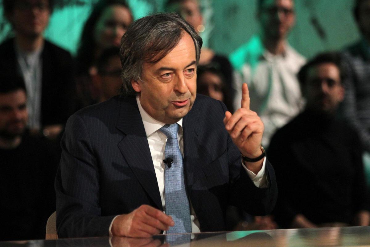 """Covid, Burioni: """"Misure urgenti per invertire tendenza"""""""