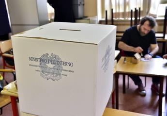 Coronavirus, Cdm: Elezioni rinviabili non oltre i 3 mesi