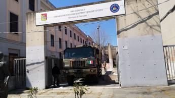 Esercito in aiuto al Governatore Musumeci, distribuiti otto tonnellate dispositivi protezione