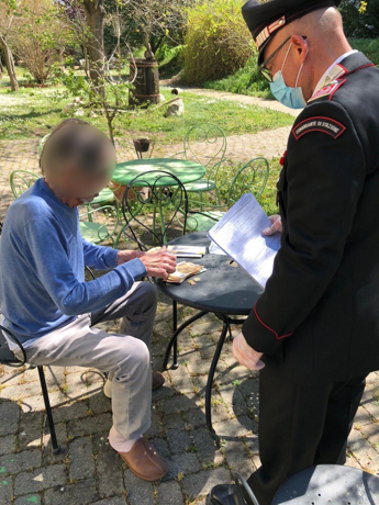 Il carabiniere: Ho consegnato la pensione all'anziano e lui è crollato in lacrime