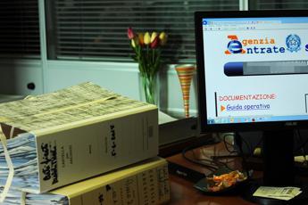 Codice fiscale e certificati via mail, ecco servizi agili