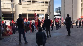 Tonelli (Lega), 'a Bologna manifestano in 200 ma le sanzioni solo ai nemici'