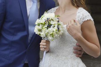 Covid, negli Usa 7 morti e 177 contagi dopo un matrimonio
