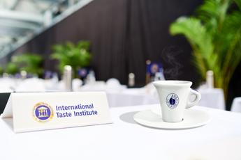 Caffè espresso napoletano sempre piu' al top secondo l'International Taste Institute