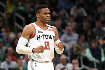 Nba, la stella di Houston Westbrook positivo al Covid