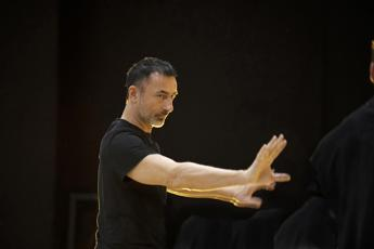 Dimitris Papaioannou in Italia con l'ultima creazione 'A new in-Between project'