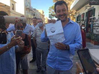 Salvini vs Azzolina: Lunedì faccio interrogazione
