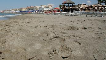Ostia, trovato cadavere in spiaggia