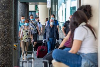 Gallera: Da domani tamponi a Malpensa, prenotazioni on line