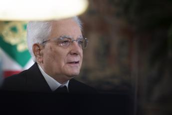 Scuola, Mattarella: Crisi Covid rischia accentuare divario conoscenze