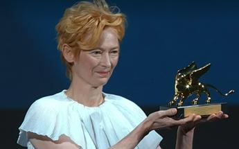 Venezia, il Leone d'Oro Tilda Swinton: Questa è pura gioia