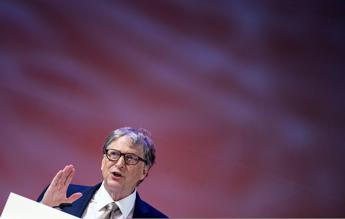 Bill Gates: Paesi ricchi verso normalità entro 2021 se vaccino funziona