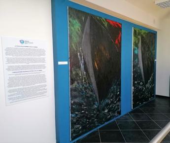 Anvcg a Lampedusa con opere di Pietro Perrone per Giornata della Memoria e dell'Accoglienza