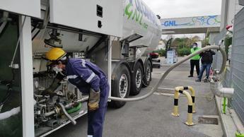 Trasporti, primo rifornimento bio-Lng in Italia