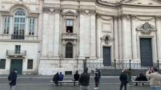 La soprano Courtney Mills canta a Piazza Navona