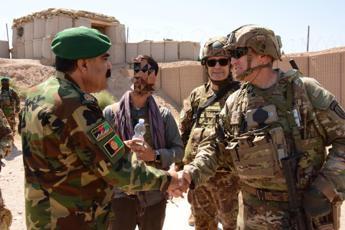 L'allarme degli interpreti afghani: Per anni accanto alla Nato, ora esposti alla minaccia dei Talebani