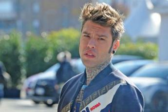Codacons denuncia Fedez: Beneficenza per marketing, pubblicità occulta ad auto
