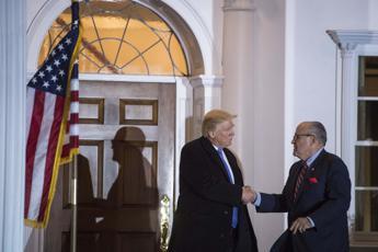 Usa, Giuliani ha chiesto la 'grazia preventiva' a Trump