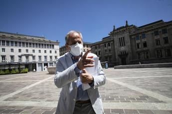 Covid, Crisanti: Piano per quadruplicare tamponi su scala nazionale