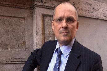 Covid, Ricciardi: Misure insufficienti, contagi cresceranno