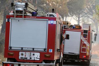 Incendio in appartamento a Roma, morto un 50enne