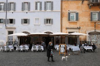 Italia zona rossa e arancione fino a maggio: le ipotesi