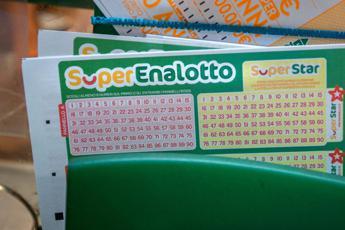 Superenalotto, nessun 6 né 5+: la combinazione vincente