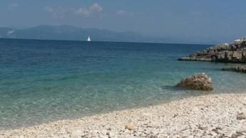 Covid Grecia, cancellato obbligo quarantena turisti
