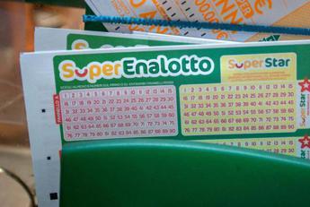 SuperEnalotto, centrato un 5+1 da 650mila euro