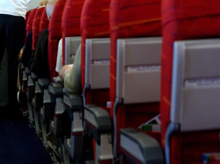 Si barrica in toilette, volo Cipro-Zurigo costretto a stop