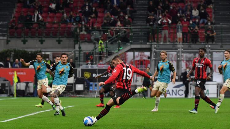 Serie A: rossoneri agganciano i cugini nerazzurri in vetta, Milan-Venezia 2-0